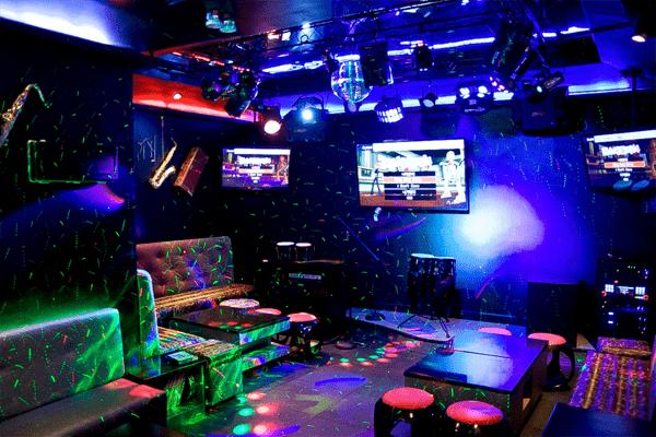 Những điều cần biết về âm thanh của quán karaoke 1