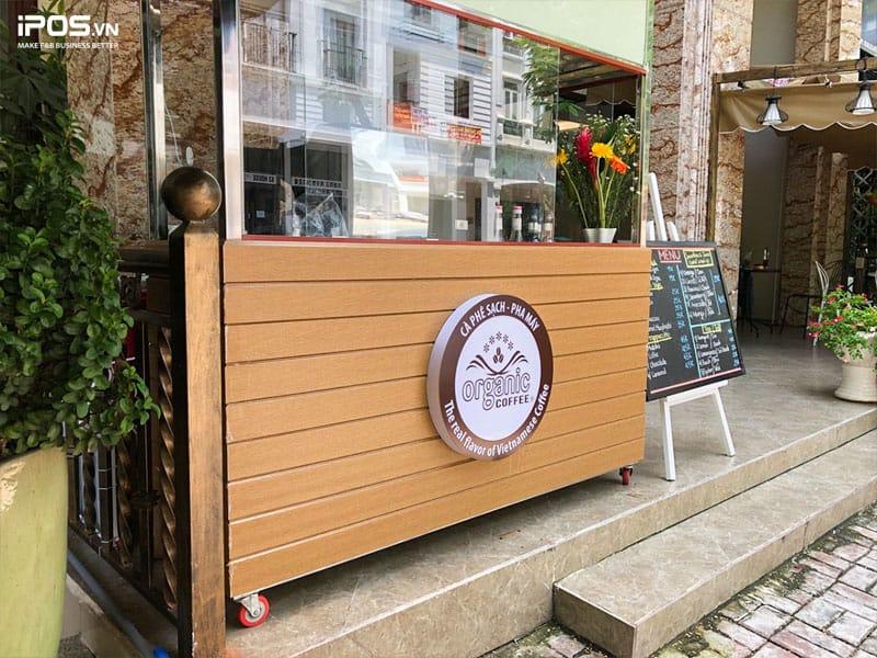 Cafe take away là mô hình kinh doanh khách hàng đến mua đồ rồi đem về