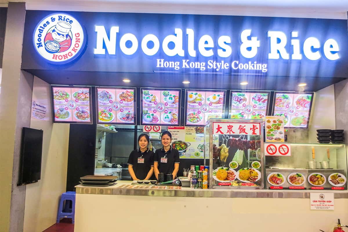 noodles rice hongkong mot noi thuc an ngon va gia ca hop ly su dung phan mem quan ly nha hang ipos cover 1