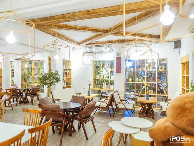 Sắp xếp, trang trí nội thất quán cũng phải hợp phong thủy