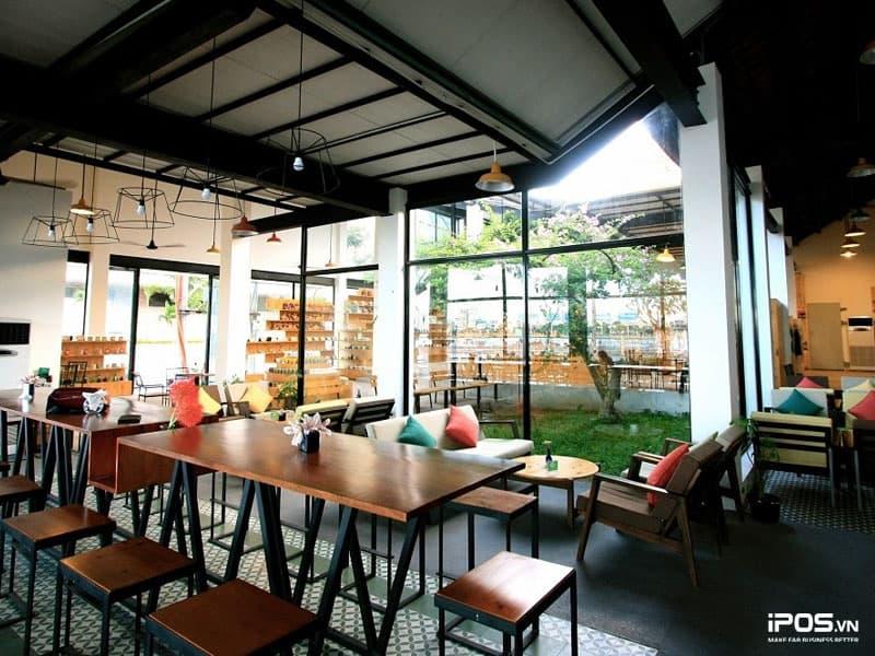 Màu sắc của quán cafe nên sử dụng những màu hợp với mệnh chủ quán