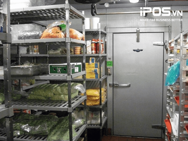 Kiểm soát chất lượng thực phẩm bằng cách phân loại và sơ chế trước khi đưa vào kho