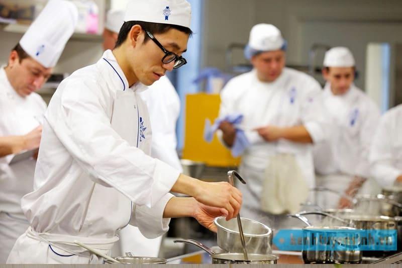 Xây dựng quy trình quản lý bếp cho nhân viên