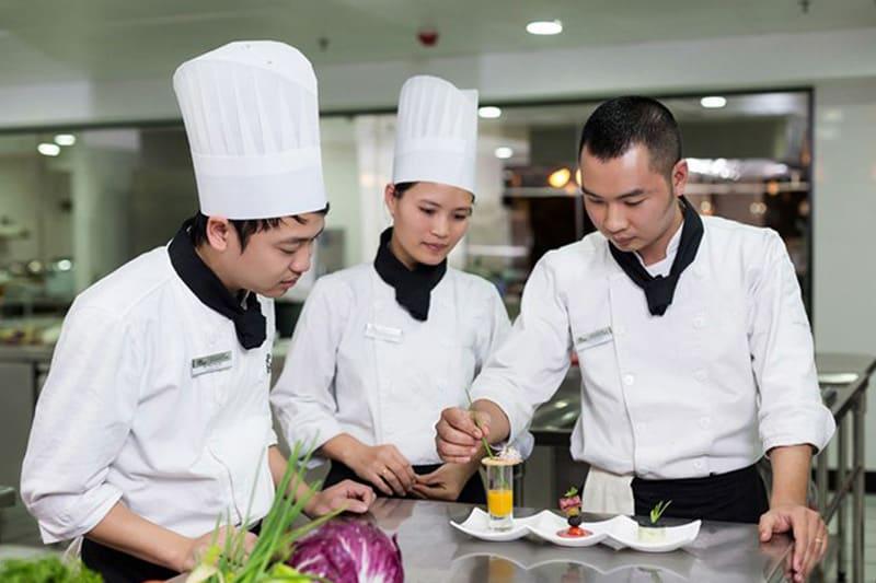 Nhập hàng hóa, kiểm tra chất lượng thực phẩm