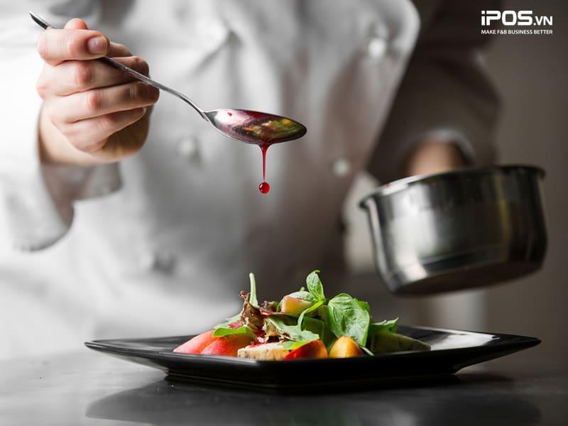 quản lý bếp nhà hàng bằng quy trình chế biến chuẩn