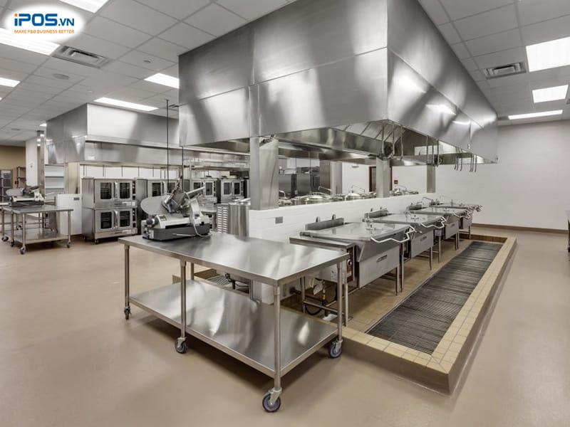 trang thiết bị hiện đại giúp tăng hiệu suất làm việc khu vực bếp