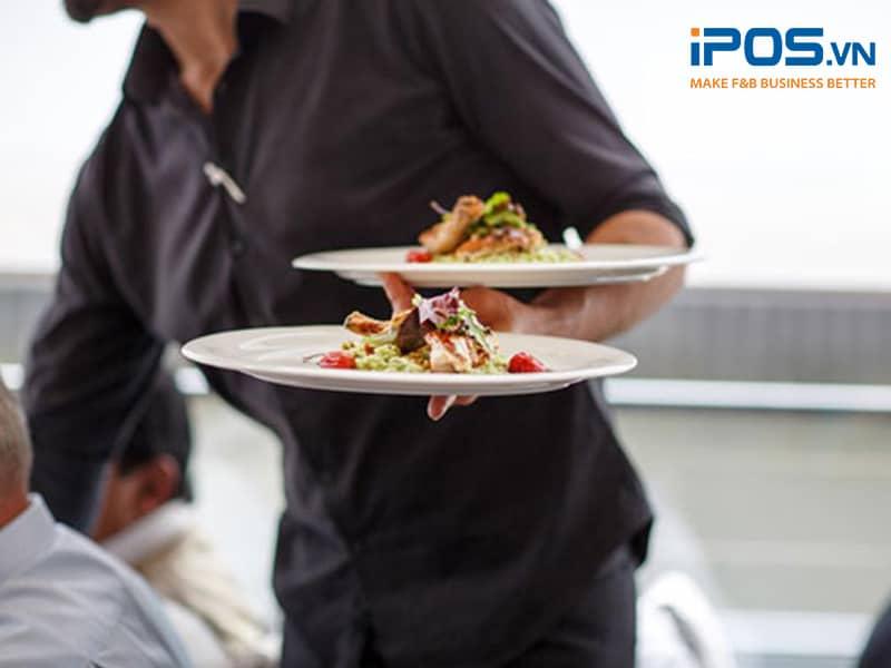 Nhân viên phục vụ nhà hàng lẩu nướng rất quan trọng để tạo nên dịch vụ chất lượng