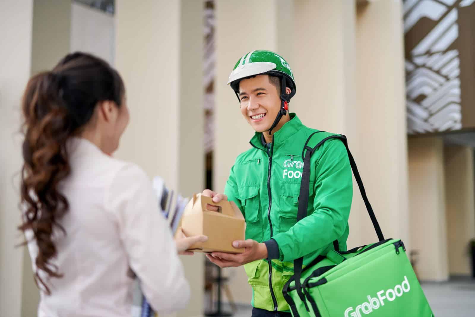 nhu cầu phục vụ tận tay của khách hàng ngày một tăng cao
