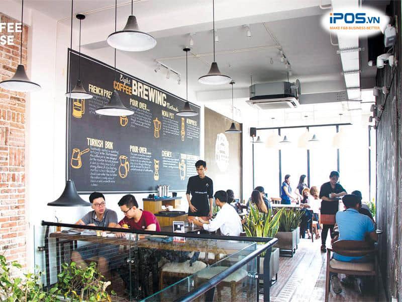 hiểu khách hàng để marketing quán cafe đúng cách