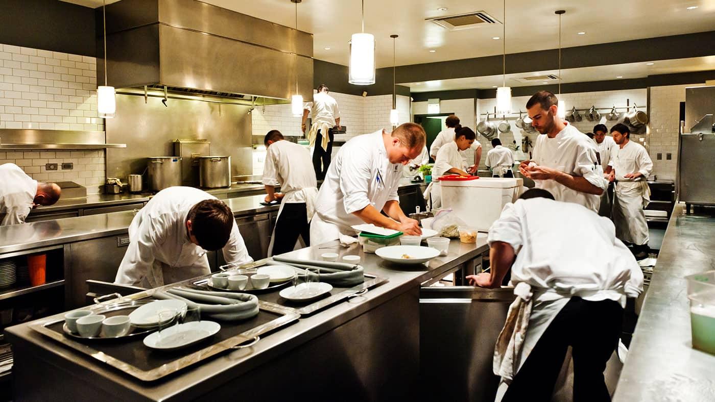 tuyển dụng nhân viên nhà hàng