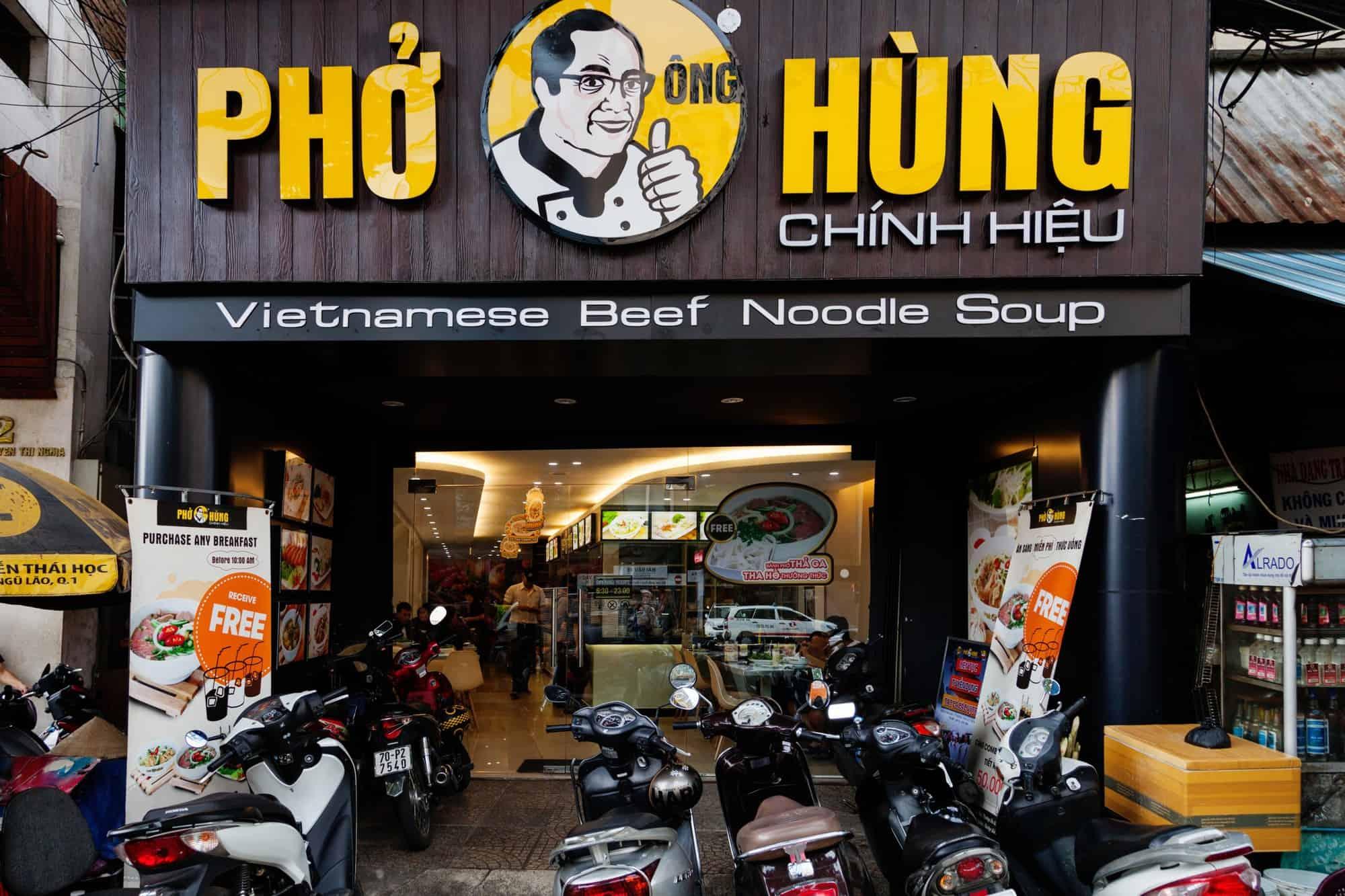đặt tên nhà hàng theo tên cá nhân