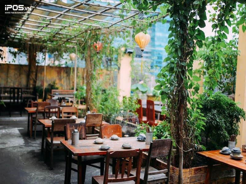 Thiết kế nhà hàng theo phong cách sân vườn