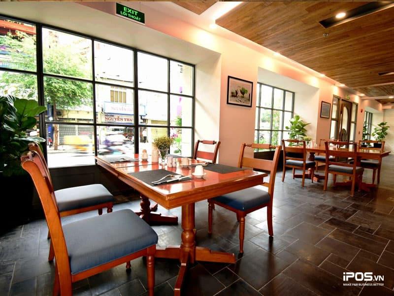 Thiết kế nhà hàng theo phong cách đơn giản