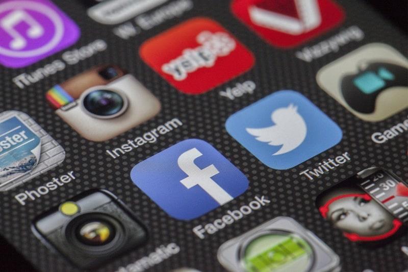 Phát triển truyền thông online