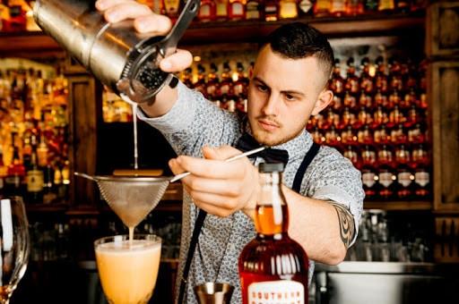 Bartender là gì? Lương Barterder là bao nhiêu trong năm 2020 5