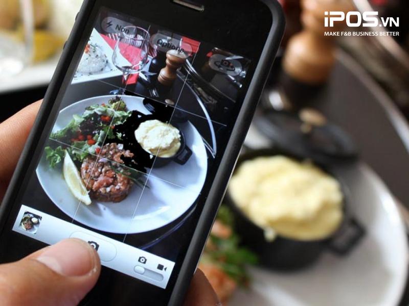 Nếu không có ngân sách, nhà hàng có thể sử dụng điện thoại để quay chụp nội dung.