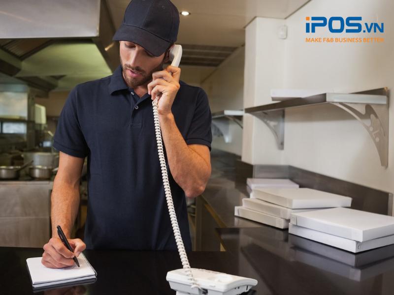 Nhân viên trực điện thoại sẽ ghi nhận lại order bằng tay rồi chuyển cho bộ phận chế biến