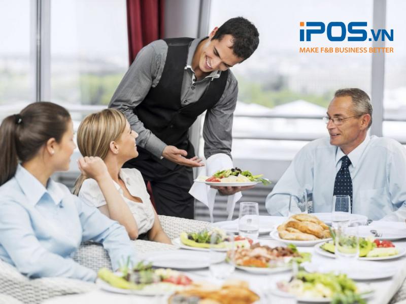 Nhân viên phục vụ trong nhà hàng có thể làm việc từ 4 - 8 giờ mỗi ngày