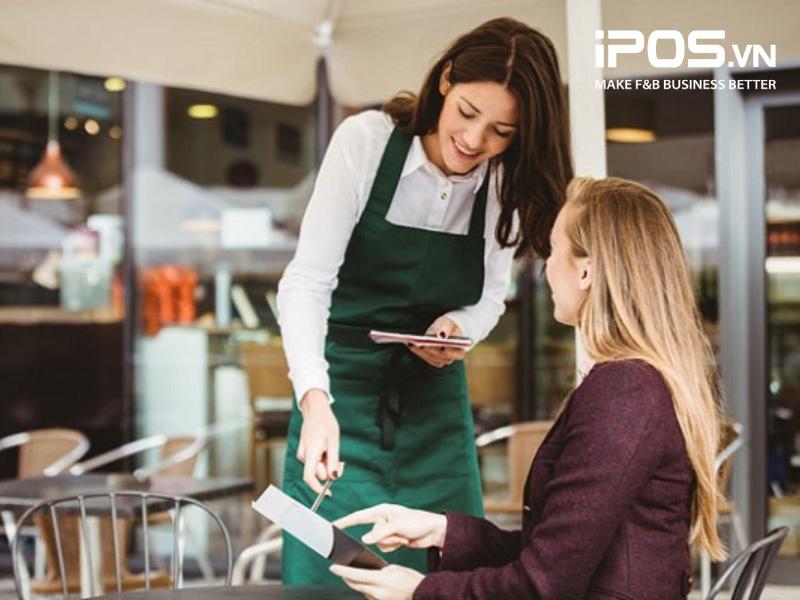 Nhân viên quán cafe phải biết cách tư vấn cho khách hàng